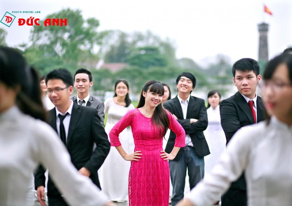 Nam Nguyễn Studio sở hữu một Ekip làm việc chuyên nghiệp với những nhân viên trẻ đầy nhiệt huyết, cực kỳ năng động và có nhiều kinh nghiệm trong lĩnh vực chụp ảnh kỷ yếu ... Thiết bị máy móc hiện đại... Đội ngũ Stylist tạo dáng chuyên nghiệp....